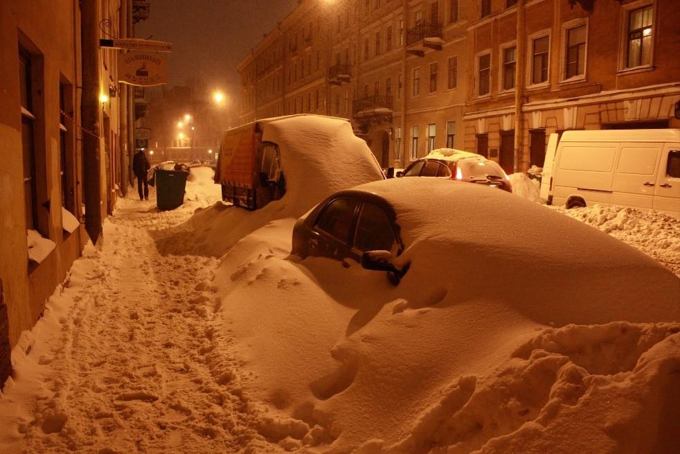 Когда может понадобиться вывоз снега